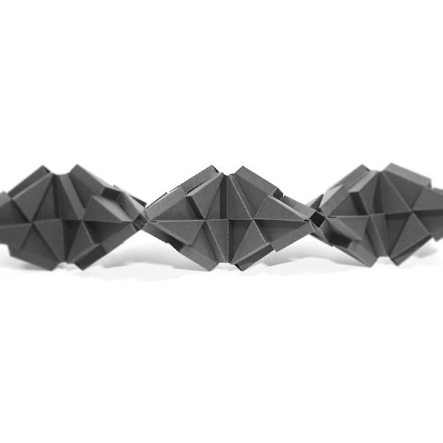A tetrahedral chain