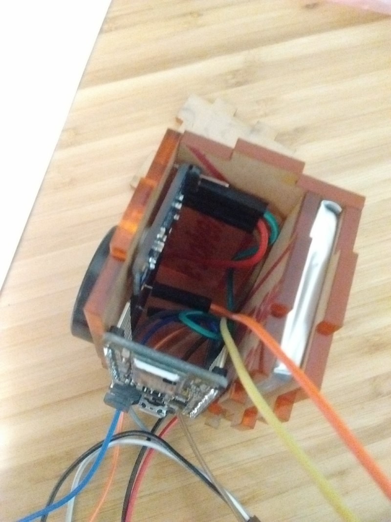 Logbook Of Alexandre Kaspar Wooden Guitar Amp A B Switch Box Wiring Your Led Would Not Fit Inside The So I Created An Outlet To Let Wires Do Their Mess Outside This Is Ideal But It Will For Now